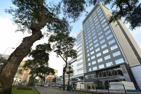 Dazzler Hotel Lima