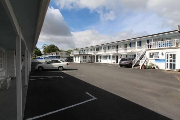Boundary Court Motor Inn