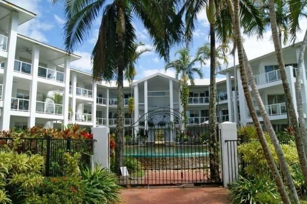 Hotel Beaches Port Douglas