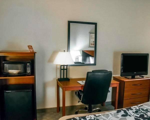 Sleep Inn and Suites Redmond
