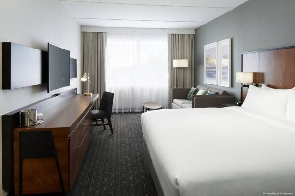 Hotel DoubleTree by Hilton Montreal Airport