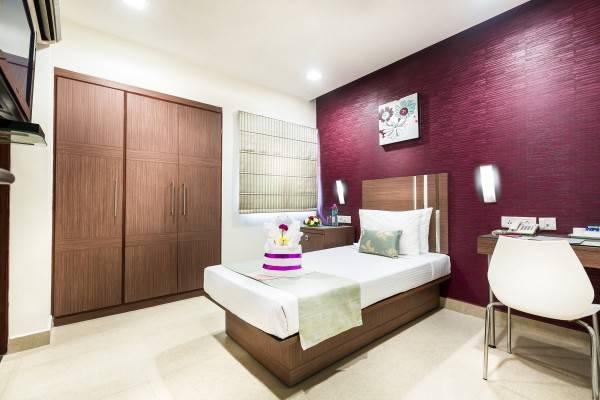 Hotel The Lotus Apartment Venkatraman Street