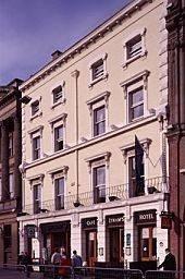 Lynam's Hotel