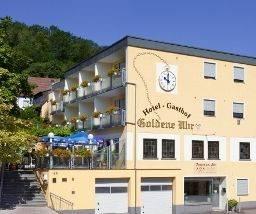 Hotel Goldene Uhr