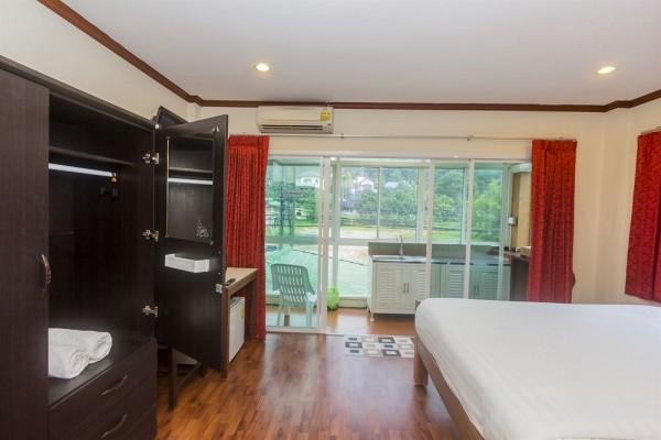 Hotel Kamala Beach Residence