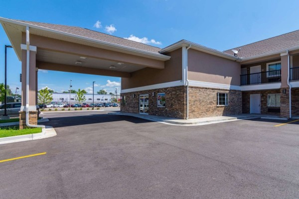 Econo Lodge Inn and Suites North Little