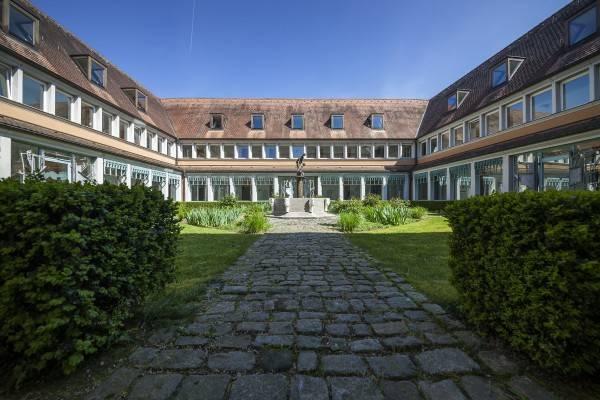 Hotel Schmerlenbach Tagungszentrum des Bistums Würzburg
