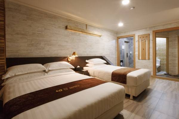 I.Y Tourist Hotel