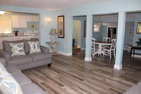 Shoreline All Suites Inn & Cabana Colony Cottages