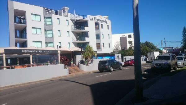 Hotel La Promenade Absolute Waterfront Apartments