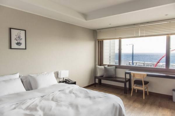 Check Inn Hotel Jeju