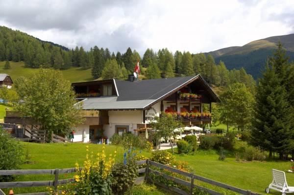 Hotel Berghof - direkt an der Nationalparkbahn