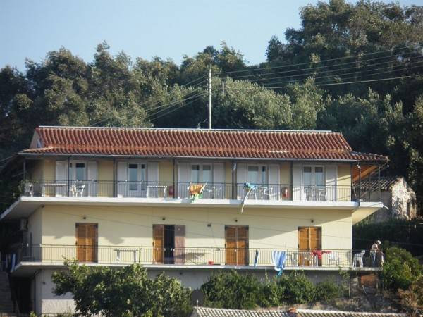 Hotel Fatiras Studios