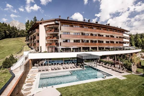 Hotel Josef Mountain Resort