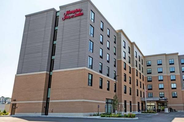 Hampton Inn and Suites Boston-Waltham