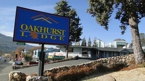 Hotel Oakhurst Lodge