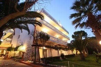 Hotel Ballos Apartments