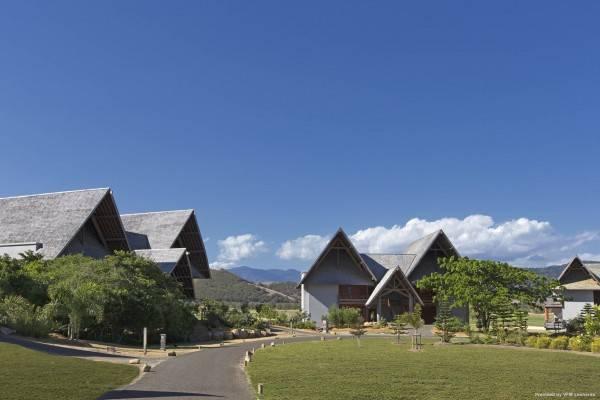 Hotel Sheraton New Caledonia Deva Spa & Golf Resort