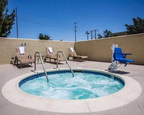 Hotel Comfort Suites Victorville I-15