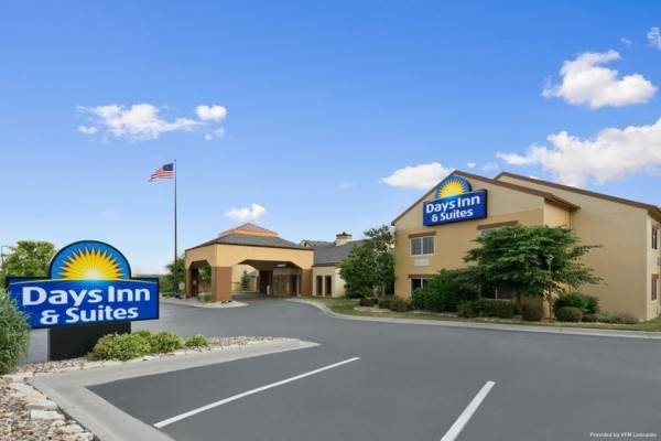 DAYS INN SUITES OMAHA