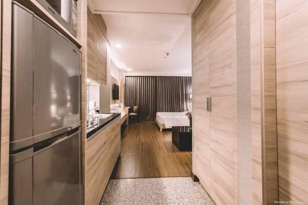 Hotel Adelphi Suites Bangkok