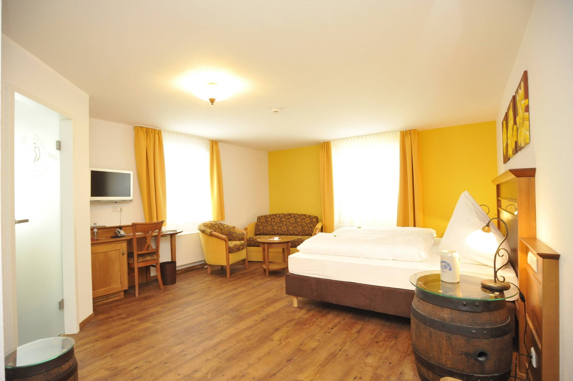 Land Gut Hotel Zur Rose Baden Wurttemberg At Hrs With Free Services