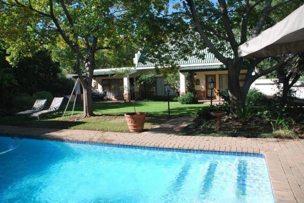 Hotel Sunninghill Guest Lodge
