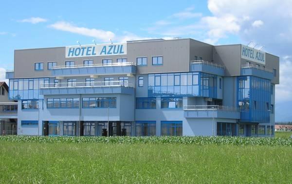 Hotel Azul near LJU airport