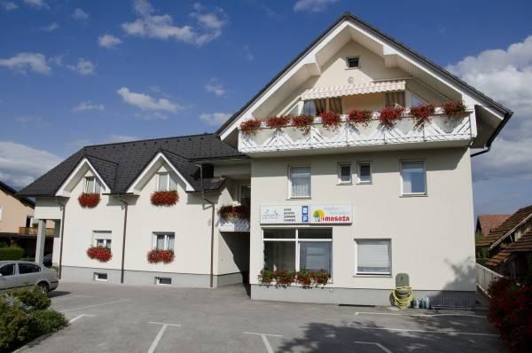Hotel Prenocisca Dezman