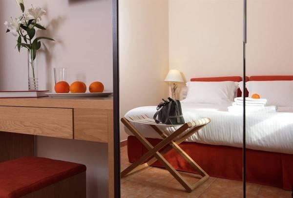 Hotel White Lotus Luxury Accommodation