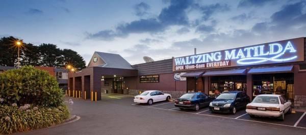 Nightcap at Waltzing Matilda Hotel