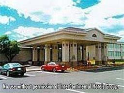 Hotel Ramada by Wyndham East Syracuse Carrier Circle