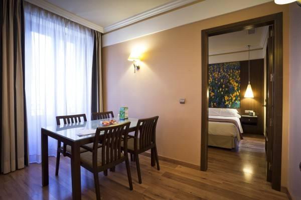 Hotel Suites Gran Via 44