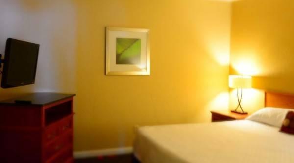 Hotel Crystal Cove Riverfront Resort