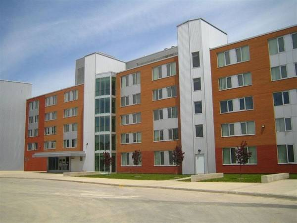 Hotel Sheridan College Residence