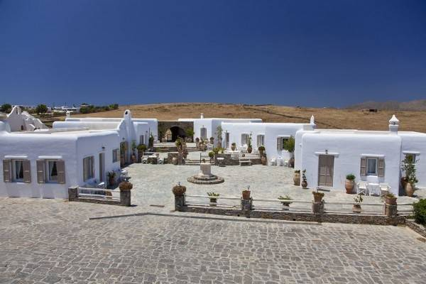 Hotel Eleni's Village Suites