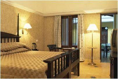 Hotel Royal Orchid Metropole