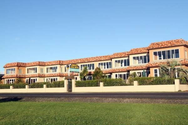 Admiralty Lodge Motel