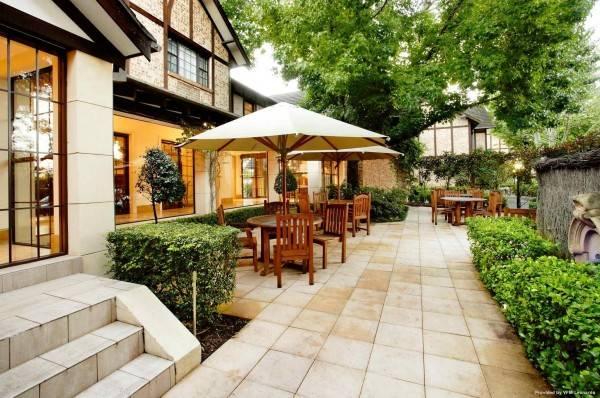 Hotel Grand Mercure The Hills Lodge