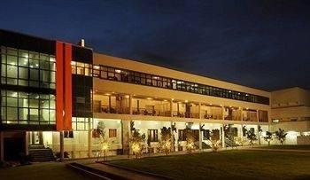 Hotel Chairman's Resort
