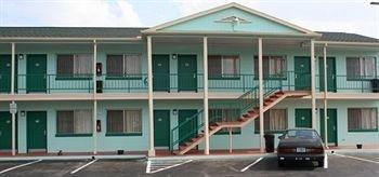 Fountain Inn & Suites