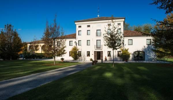 Villa dei Carpini Hotel & Residence