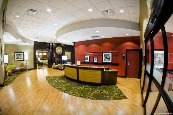 Hampton Inn Evansville-Airport IN