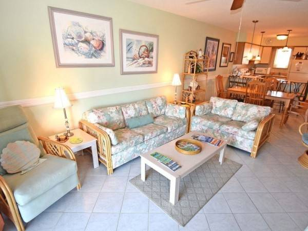 Hotel Seabay Vista II 303 2 Br condo by RedAwning