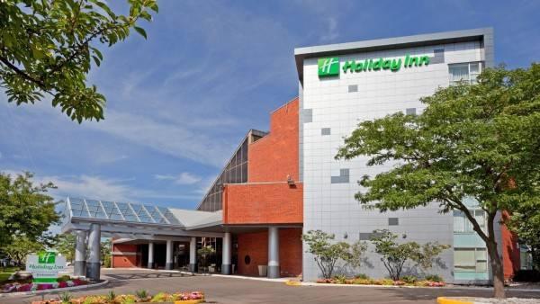 Holiday Inn OAKVILLE (CENTRE)
