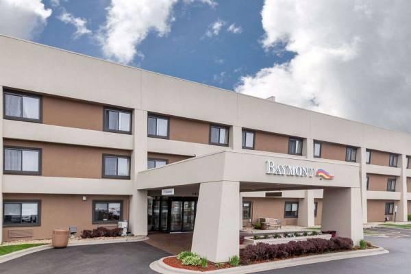 Hotel Baymont by Wyndham Glenview