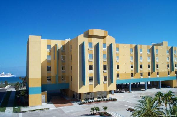 Hotel Cocoa Beach Suites