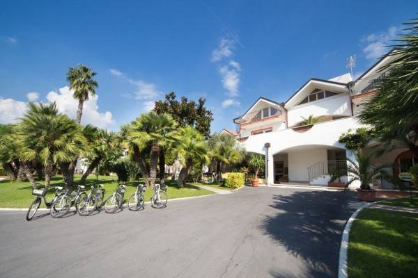 Hotel Diano Sporting Apartments