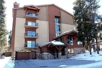 Hotel Mountainwood 103 2 Br condo by RedAwning