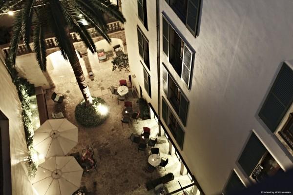 Hotel Petit Palace Tres
